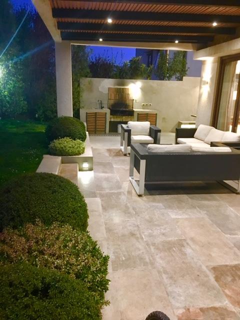 Casa en Condominio Onofre Jarpa/Alvaro Casanova
