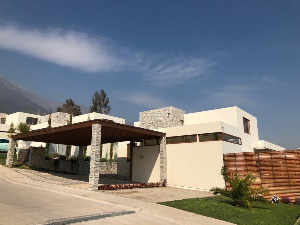 Casa Alvaro Casanova/ Reina Alta